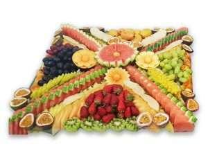 מגש פירות מעוצבים ענק לאירועים